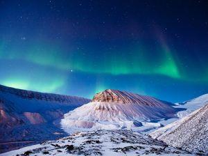 aurora-borealis-svalbard_58917_990x742-from-ng