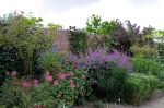 Sissinghurst_Gardens_9_(4907349737)-from-wp