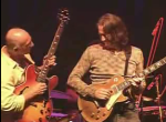 Larry Carlton and Robben Ford together jamming-screencap-by-pkl