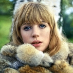 marianne-faithfull-theredlist